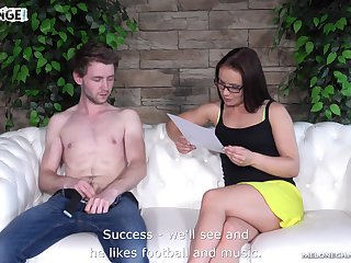Skilled Czech woman Wendy Moon tries to make soft cock hard as a rock