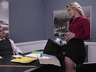 Lisey Sweet eaten out on the desk during impressive office bang
