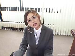 Natural boobs secretary Yui Aoyama gives the best titjob ever