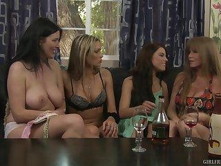 Mature pornstar Darla Crane teaches Adriana Chechik  how to eat pussy