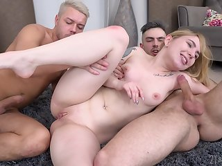 Petite girl ass fucked in a double XXX home threesome